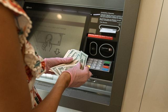 Pieniądze z bankomatu